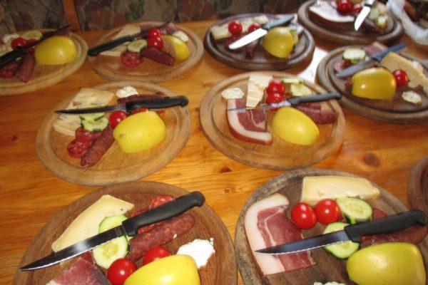Speck , Käse, Kaminwurz, Jausenbrettl, Genuss