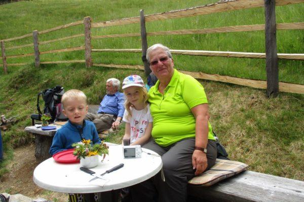 Familienzeit In die Mahder Kids  Natur